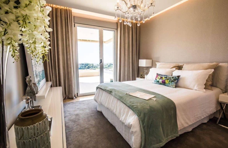 botanic taylor wimpey appartement penthouse los arqueros benahavis zeezicht golf slaapkamer