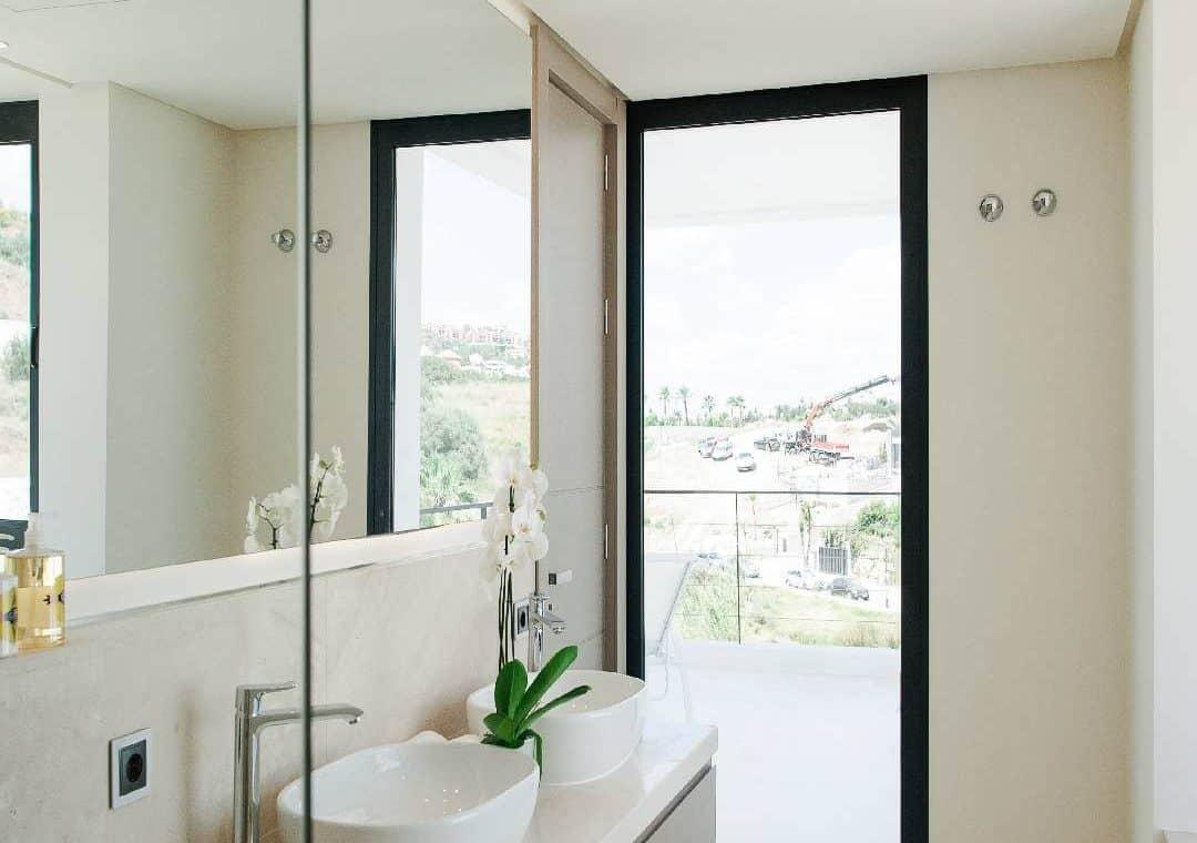 los olivos nueva andalucia marbella modern villa project badkamer