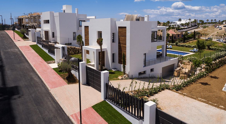 los olivos nueva andalucia marbella modern villa project straat