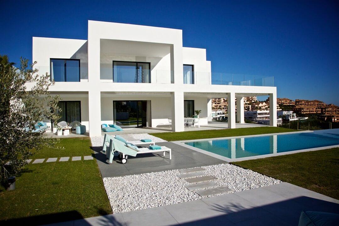 luxe golf villa te koop atalaya la alqueria marbella zeezicht