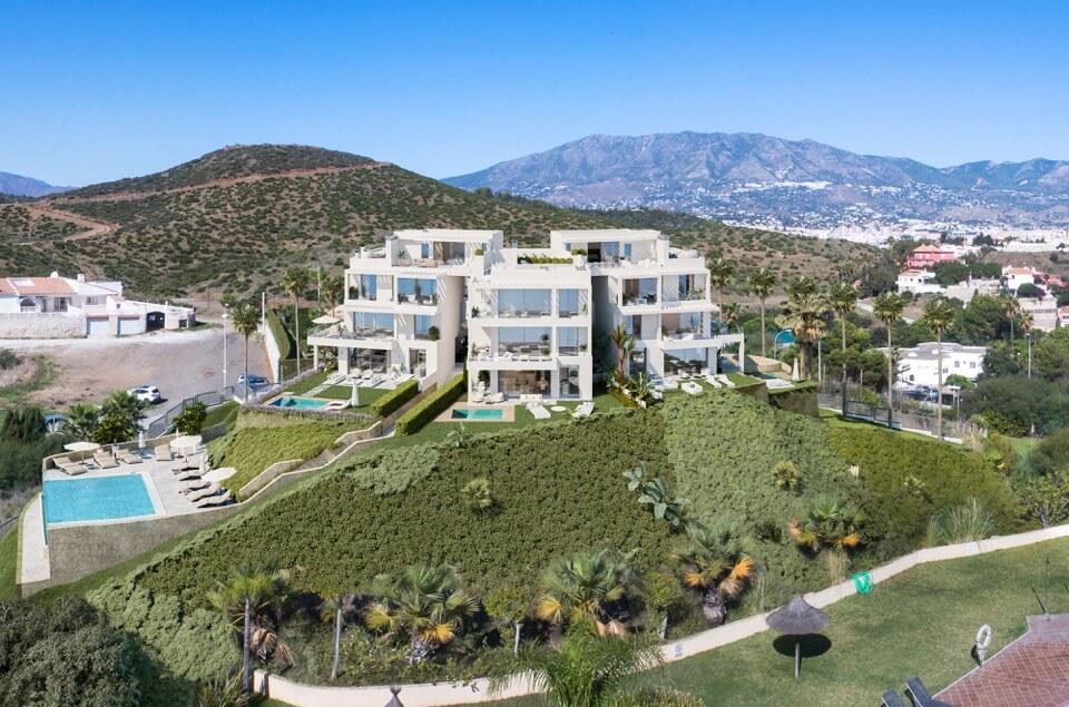 Larimar Las Lagunas de Mijas luxe appartementen te koop zeezicht vooraanzicht