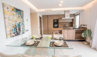 grand view la cala te koop modern appartement penthouse nieuwbouw eettafel