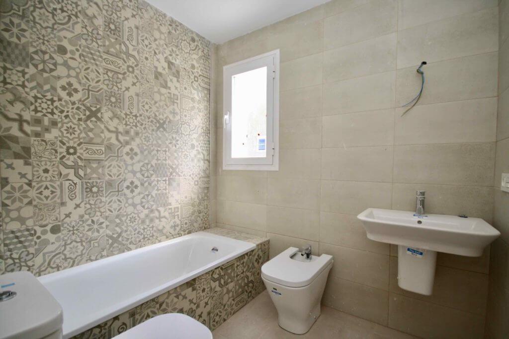 las terrazas de lindasol marbella huis te koop rijhuis badkamer
