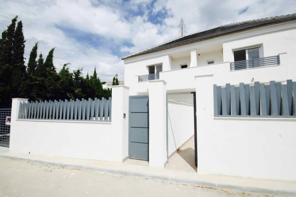 las terrazas de lindasol marbella huis te koop rijhuis vooraanzicht