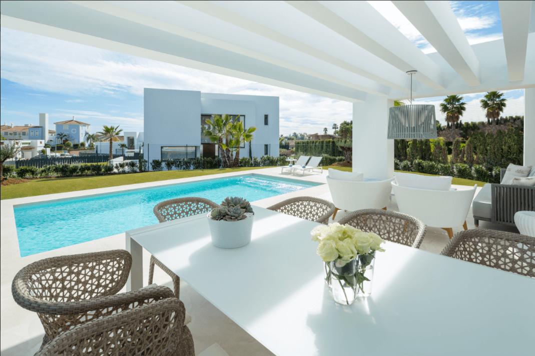 los olivos del paraiso benahavis moderne nieuwbouw villa te koop terras uitzicht