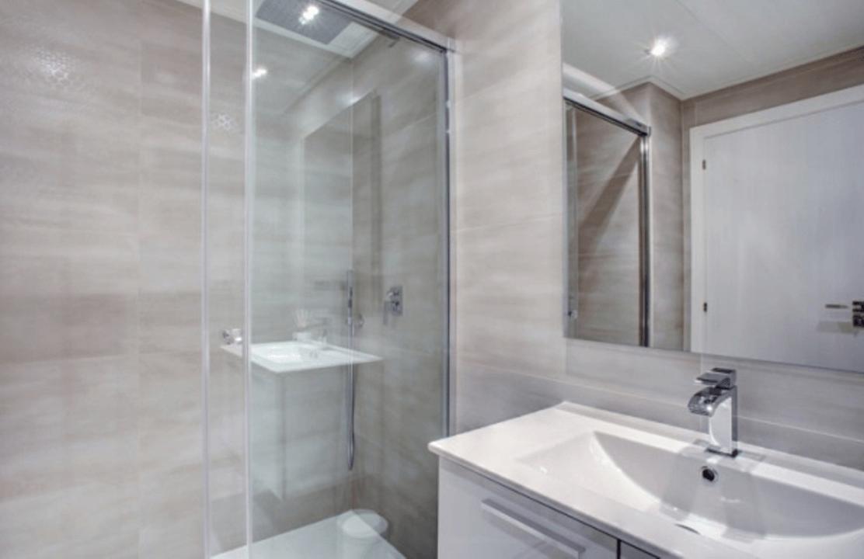 jade beach 3112786 taylor wimpey san pedro modern gelijkvloers appartement te koop badkamer gasten