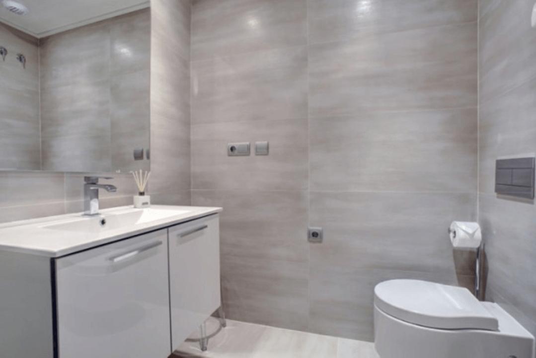 jade beach 3112786 taylor wimpey san pedro modern gelijkvloers appartement te koop gasten badkamer