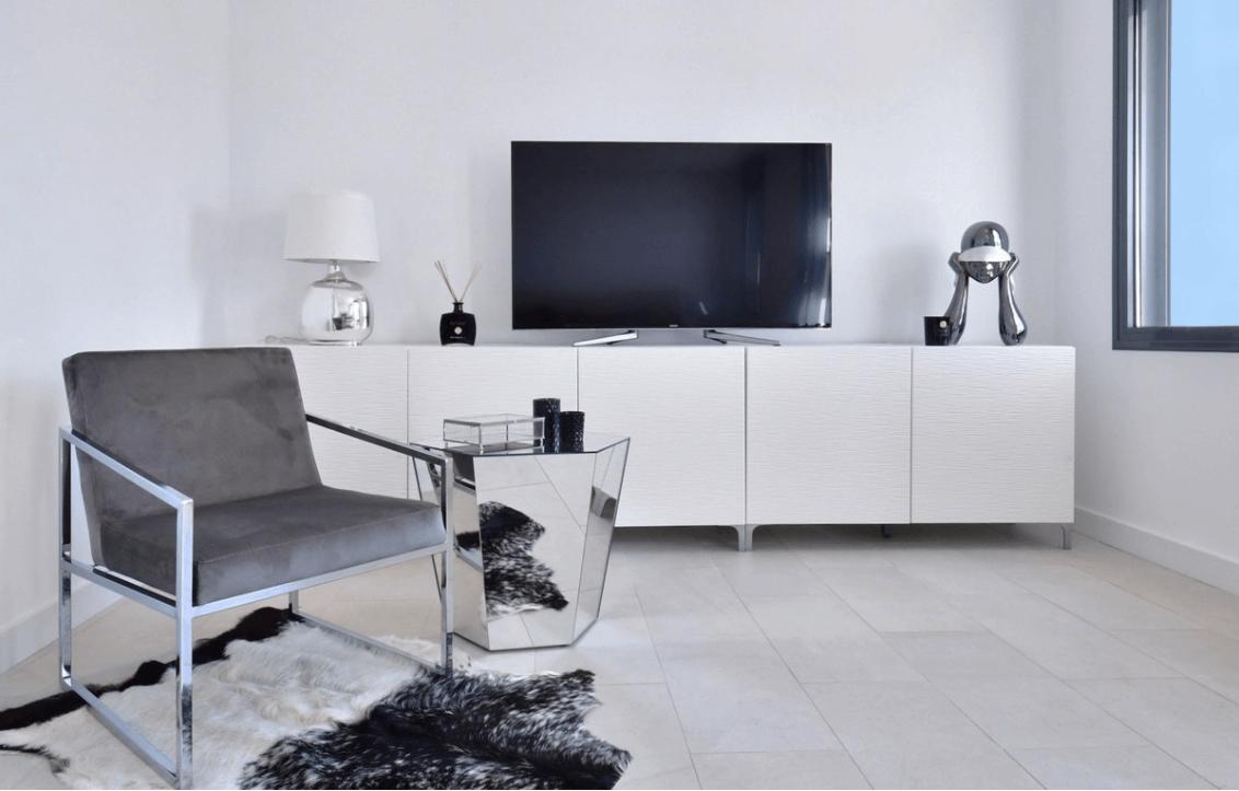 luxe moderne villa golden mile marbella kopen TV