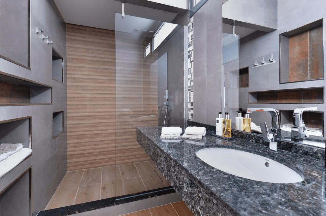 luxe moderne villa golden mile marbella kopen badkamer