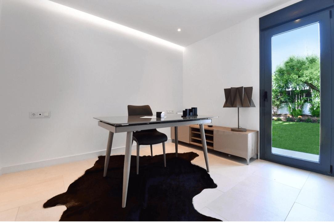 Golden mile villa vernieuwde luxe villa op bevoorrechte ligging