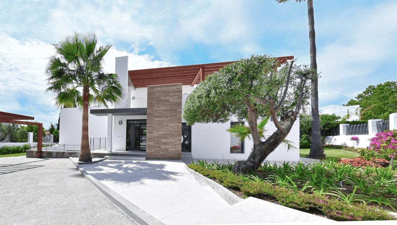 luxe moderne villa golden mile marbella kopen gevel