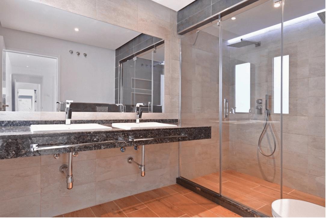 luxe moderne villa golden mile marbella kopen inloopdouche
