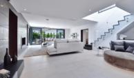 luxe moderne villa golden mile marbella kopen leefruimte