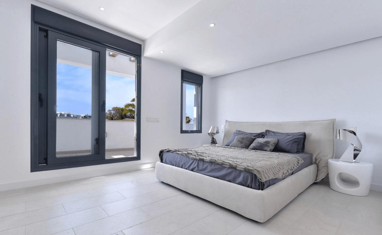 luxe moderne villa golden mile marbella kopen slaapkamer