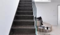 luxe moderne villa golden mile marbella kopen trap