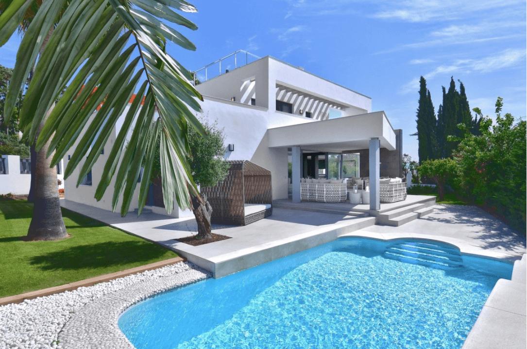 luxe moderne villa golden mile marbella kopen tuin