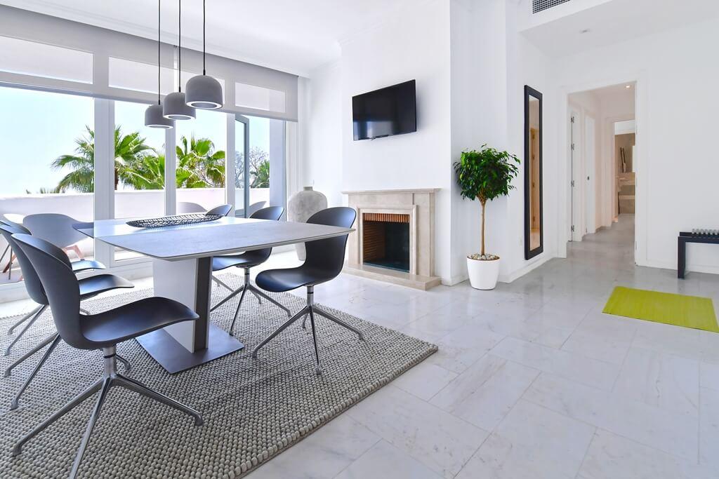 marbella real luxe penthouse appartement herverkoop kopen golden mile haard