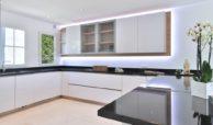 marbella real luxe penthouse appartement herverkoop kopen golden mile ingerichte keuken