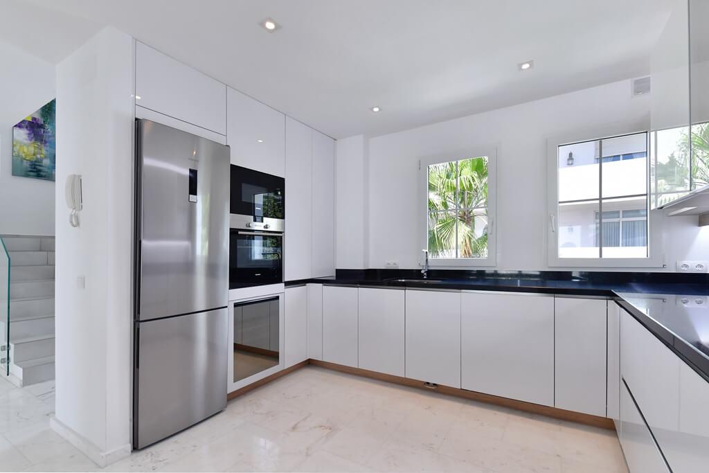 marbella real luxe penthouse appartement herverkoop kopen golden mile open plan