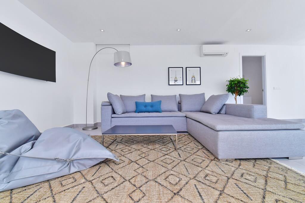marbella real luxe penthouse appartement herverkoop kopen golden mile salon