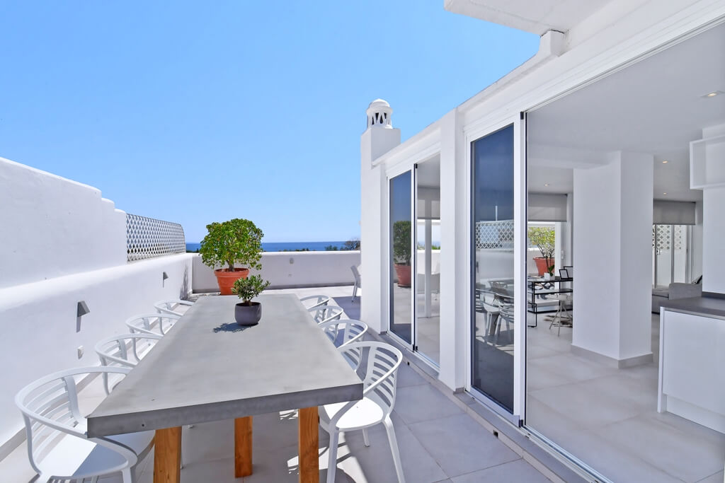 marbella real luxe penthouse appartement herverkoop kopen golden mile zeezicht