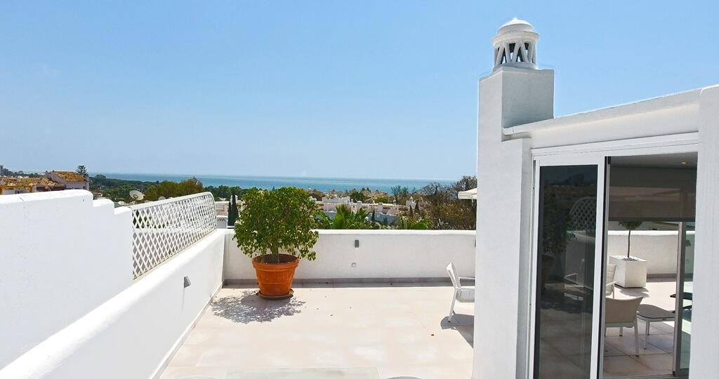 marbella real luxe penthouse appartement herverkoop kopen golden mile zichten