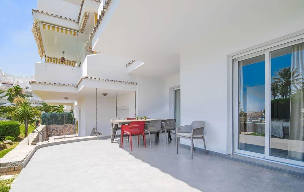 royal gardens nueva andalucia modern appartement kopen gerenoveerd terras
