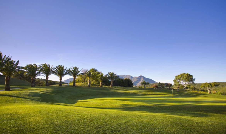 green golf moderne geschakelde huizen townhouses estepona eerstelijns golf te koop golfbaan