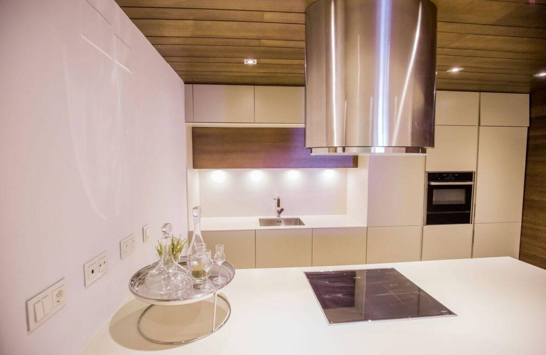 royal banus nueva andalucia taylor wimpey nieuwbouw te koop wandelafstand zee keuken