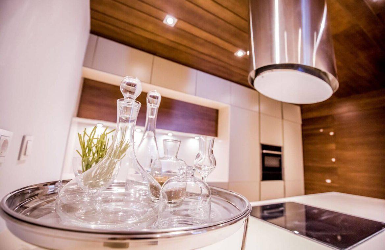 royal banus nueva andalucia taylor wimpey nieuwbouw te koop wandelafstand zee modern