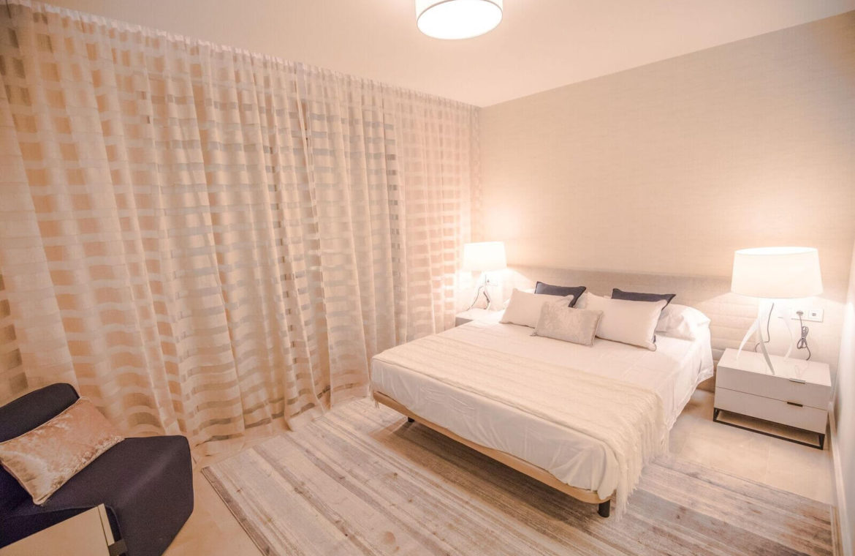 royal banus nueva andalucia taylor wimpey nieuwbouw te koop wandelafstand zee slaapkamer