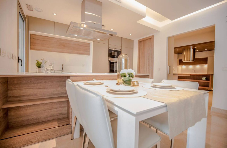 royal banus nueva andalucia taylor wimpey nieuwbouw te koop wandelafstand zee tafel