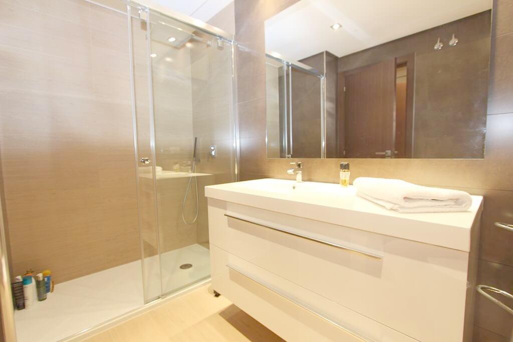 horizon beach zeezicht eerstelijns strand estepona nieuwbouw appartement te koop badkamer 2