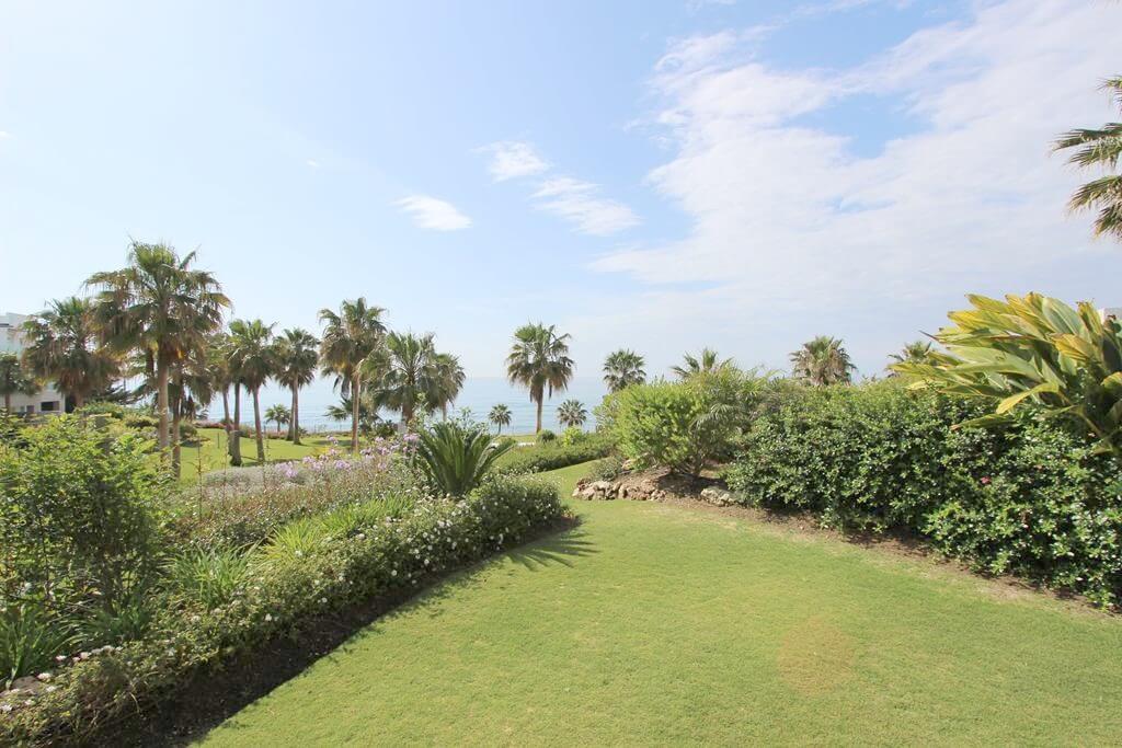 horizon beach zeezicht eerstelijns strand estepona nieuwbouw appartement te koop tuin