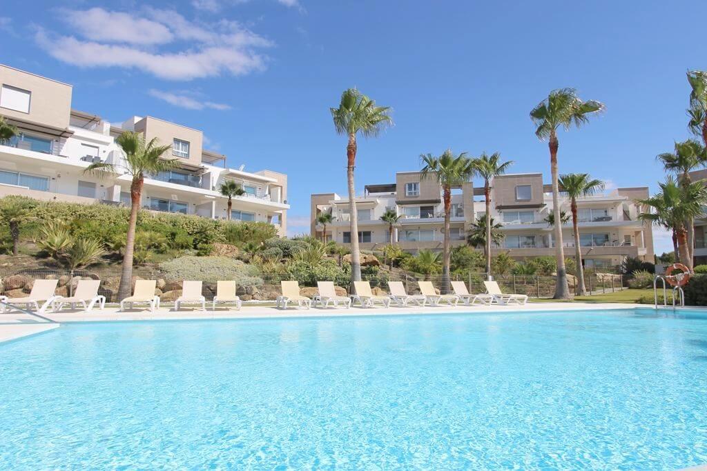 horizon beach zeezicht eerstelijns strand estepona nieuwbouw appartement te koop zwembad