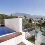 senorio de vasari marbella golden mile exclusief appartement penthouse kopen nieuwbouw modern design locatie
