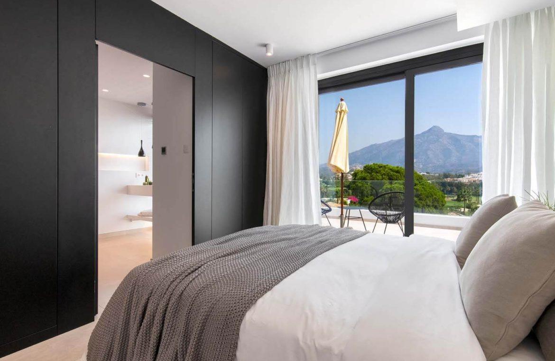 moderne villa milano nueva andalucia marbella costa del sol bergzicht zeezicht te koop luxe dressing