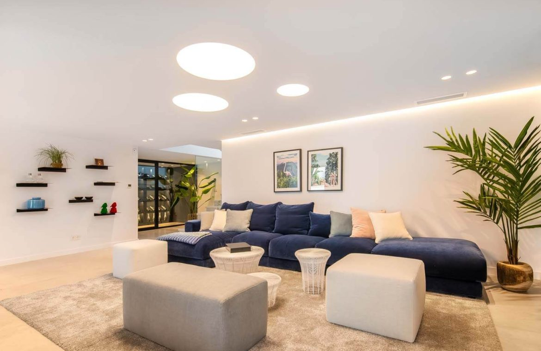 moderne villa milano nueva andalucia marbella costa del sol bergzicht zeezicht te koop luxe home cinema