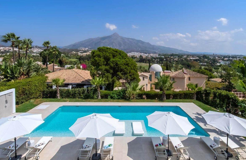 moderne villa milano nueva andalucia marbella costa del sol bergzicht zeezicht te koop luxe prive zwembad