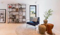 moderne villa milano nueva andalucia marbella costa del sol bergzicht zeezicht te koop luxe sofa