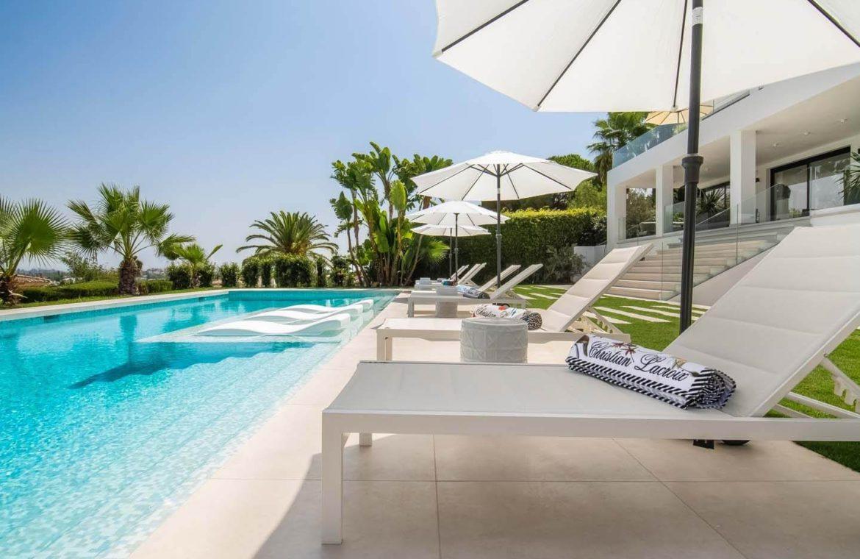 moderne villa milano nueva andalucia marbella costa del sol bergzicht zeezicht te koop luxe tuin