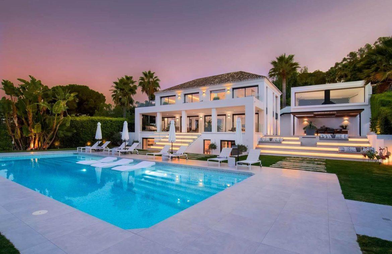 moderne villa milano nueva andalucia marbella costa del sol bergzicht zeezicht te koop luxe tuinverlichting