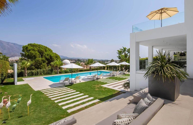 moderne villa milano nueva andalucia marbella costa del sol bergzicht zeezicht te koop luxe zicht