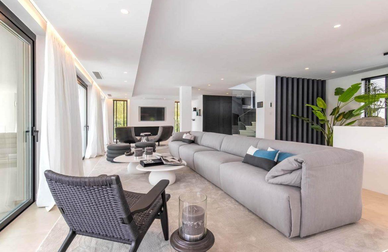 moderne villa milano nueva andalucia marbella costa del sol bergzicht zeezicht te koop luxe zithoek