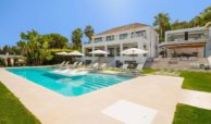 moderne villa milano nueva andalucia marbella costa del sol bergzicht zeezicht te koop luxe zwembad