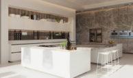 vista lago residences real la quinta nueva andalucia marbella costa del sol spanje villa kopen zeezicht keukeneiland