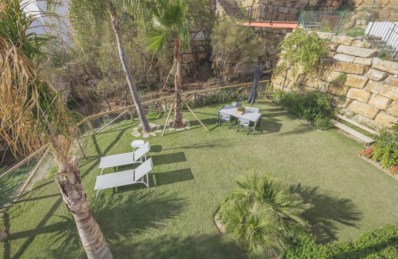 paraiso pueblo benahavis new golden mile marbella estepona vernieuwde appartementen te koop resort concierge zee golf privetuin