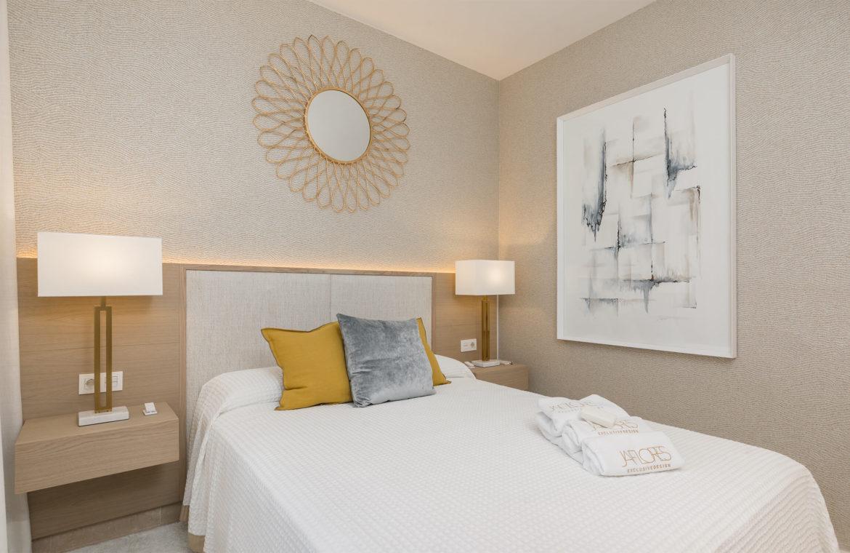 paraiso pueblo benahavis new golden mile marbella estepona vernieuwde appartementen te koop resort concierge zee golf gastenkamer