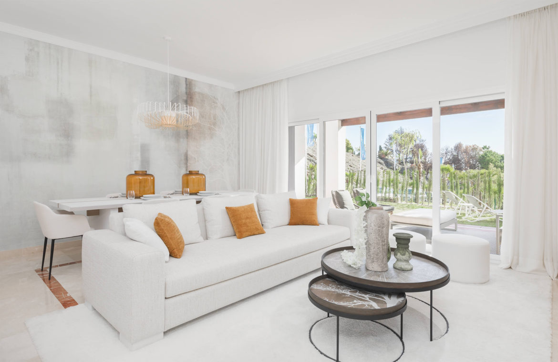 paraiso pueblo benahavis new golden mile marbella estepona vernieuwde appartementen te koop resort concierge zee golf living