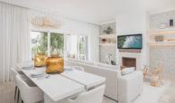 paraiso pueblo benahavis new golden mile marbella estepona vernieuwde appartementen te koop resort concierge zee golf salon